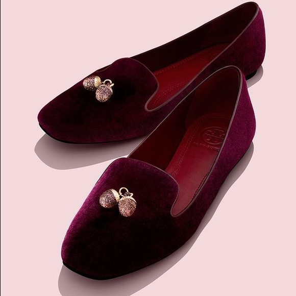 fac7dbd954597c Tory Burch acorn charm smoking slippers. M 56eb172f4225bee87000b0a3