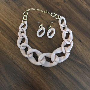 Nude Acrylic chain link Jewlery