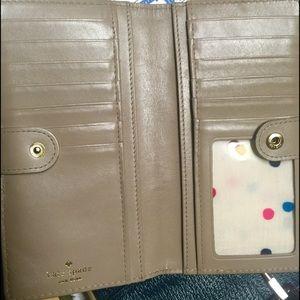 kate spade Bags - Fun Pink Kate Spade wallet 🌷☀️