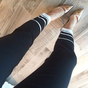 GAP Pants - Black and white slim crop pants