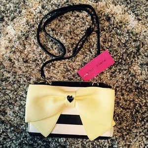  NWT BETSEY JOHNSON CROSSBODY YELLOW BOW BAG 