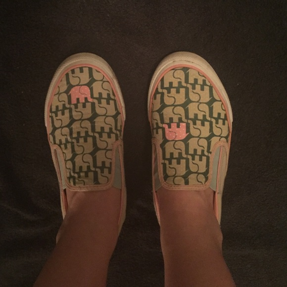 142408d90a7d Converse Shoes - Rare elephant converse