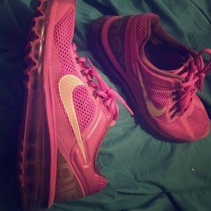 Nike size 9 air max