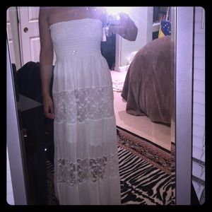 Size S/M White prairie dress maxi w/scrunchy top