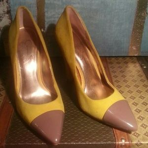 Comfortable Jessica Simpson,suede yellow pumps