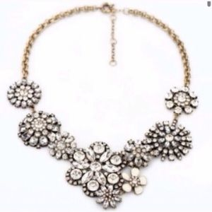 Beautiful Crystal Floral Evening Necklace Boucle