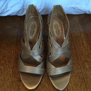 Ellie Tahari gold strappy heels