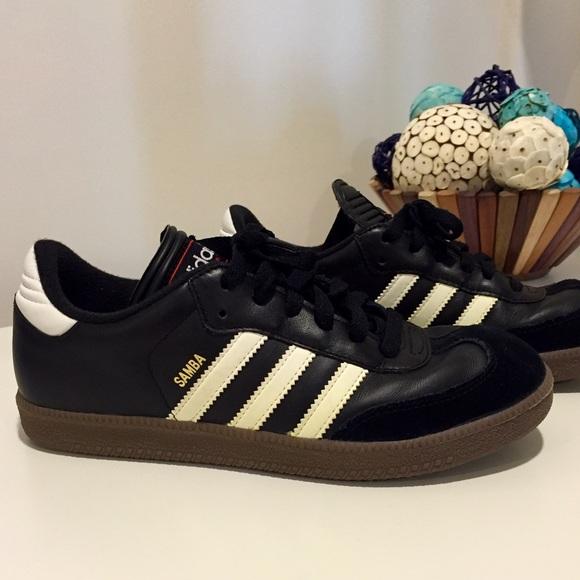 Le adidas sambas come nuovo nero in forma come un poshmark w7