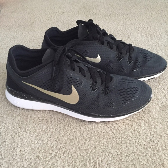 outlet store e3c1e 29000 Nike Free TR 5 ID Custom Black and Gold