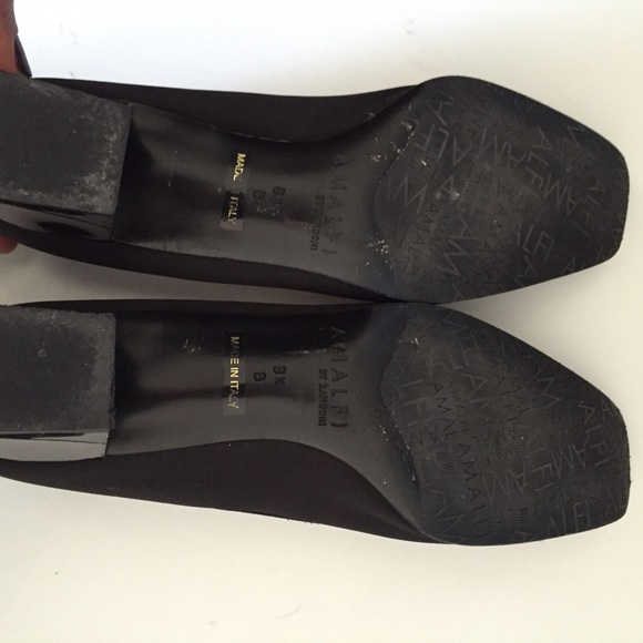 amalfi black single women Buy sandler - amalfi - sandals (black patent) at the iconic with free overnight delivery and free returns proudly australian and family-owned, sandler shoes have been worn and enjoyed by millions of women, establishing it as an iconic fashion brand.