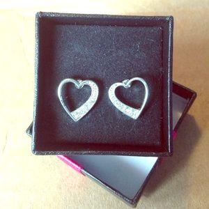 NWT stainless steel heart earring set