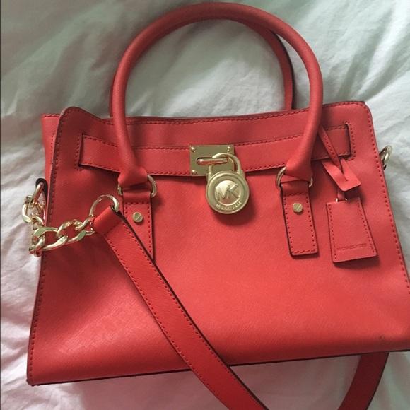 c6805206bc Coral Michael Kors handbag. M 56ec4f6cf0137d88ce01afcc