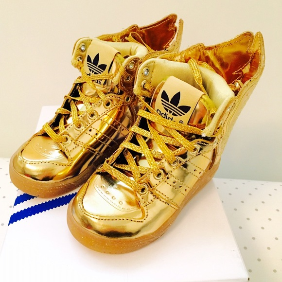 premium selection b10fd ec137 Jeremy Scott Wings 2.0 Gold Sneakers