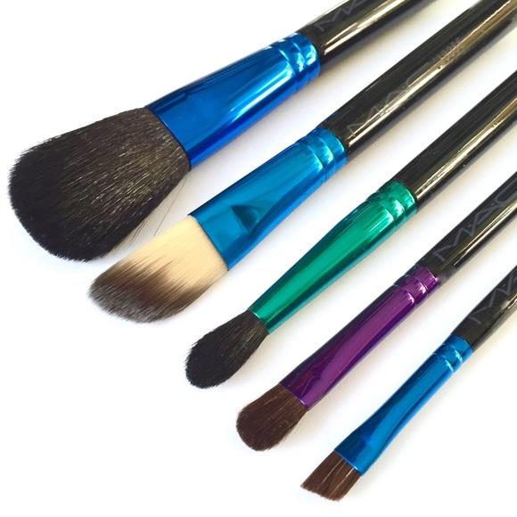 Mac Cosmetics Makeup Mac Enchanted Eve Basic Brush Kit Poshmark