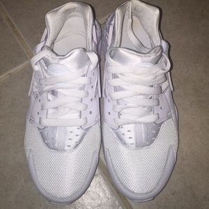 Nike Shoes - Air haurache triple white 5Y