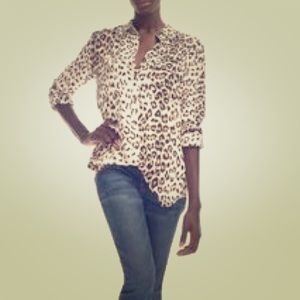 Equipment slim signature blouse in leopard print