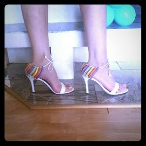 Shoes - 👠👒👡Heels White/Multi color Size 7.5 Beautiful
