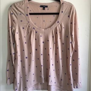 Dotted GAP long sleeve top.