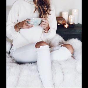 White Denim Slit-Knee Jeana