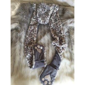 Boutique Accessories - LAST ONE 🐯 Faux fur animal snow Leopard hat Rave