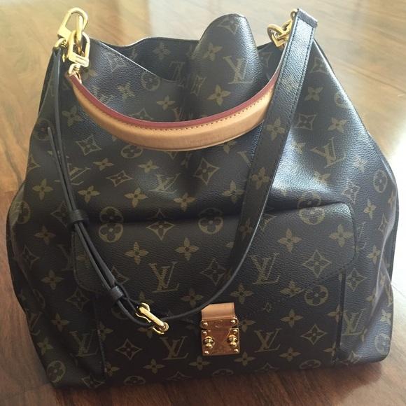 d2cfc339e9e7 Louis Vuitton Handbags - Flash sale💃🏽Auth Louis Vuitton Metis hobo preown