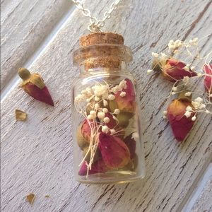 Glass jar necklace dried roses & baby breath
