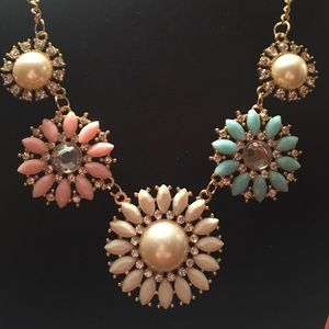 Jewelry - Pastel Floral Pearls & Bling Statement Necklace 🌸