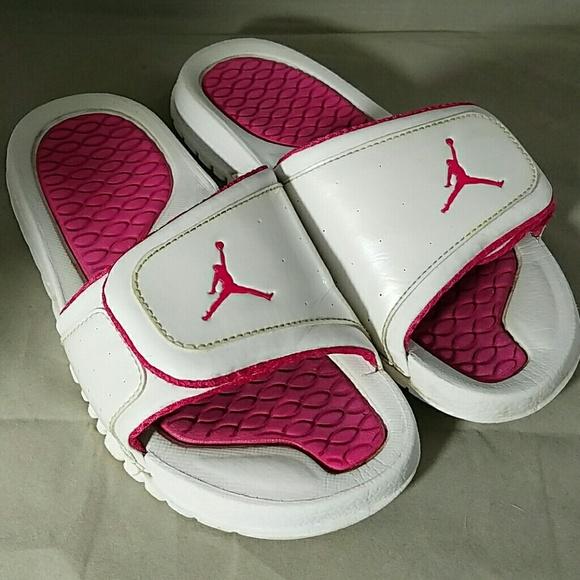 50c9370d37e56d NIKE AIR JORDAN Sz. 6 White   Pink Slide Sandals. M 56ecc4589c6fcf7509016120