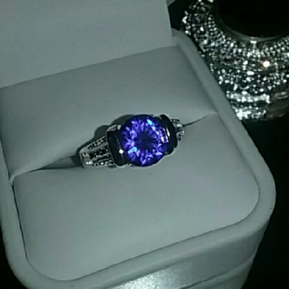sapphire blue sterling ring online silver in lady for natural shane co rings round ice
