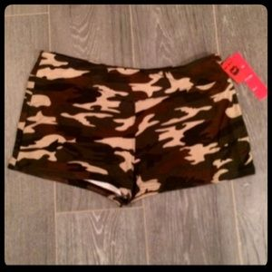 ✨✨Camouflage Cutie Booty Shorts✨✨