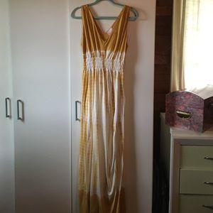 Trendy Romeo&Juliet Couture Tye-Dye Maxi Dress