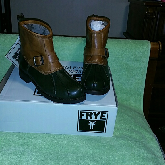 Frye Veronica Genuine Shearling Duck Engineer Boot FIKv60x