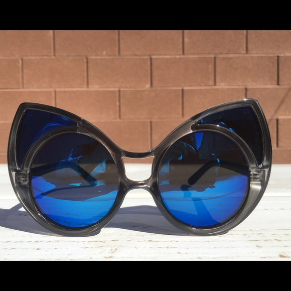 1987150f939 Accessories - Oversized Cat Eye Sunglasses   Round Flip Bundle