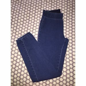 Forever 21 Elastic Waist Denim Jean/Leggings