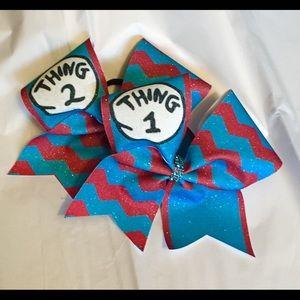 Thing 1 & Thing 2 bundle bows