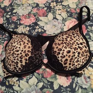 Tops - Cacique 38C Cheetah print bra push up