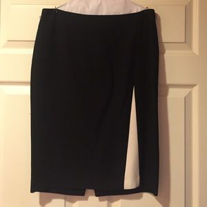 Zara black with ivory detail pencil skirt