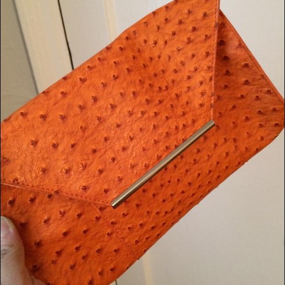 Handbags - Fashion clutch!