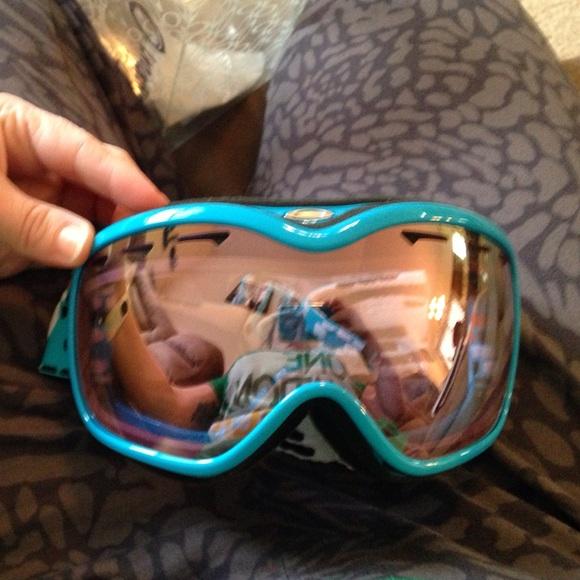 39b1d9a279f Oakley Accessories - Oakley Women s Stockholm Snow Ski Goggles