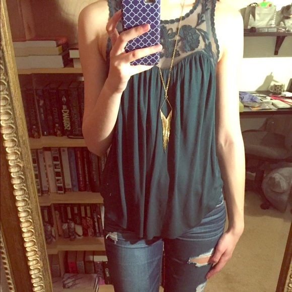 24216013956f1 American Eagle Outfitters Tops - Soft and Sexy lace trim tank