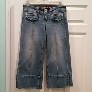 FADED DENIM GAUCHO/ CROPPED JEANS