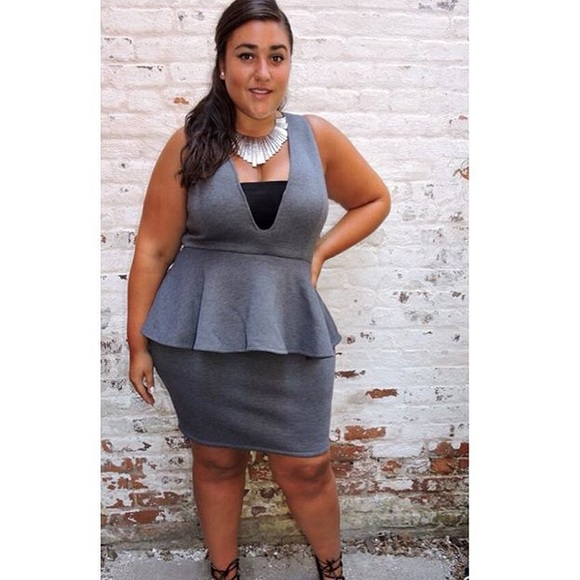 9f26742eee924 Dresses   Skirts - Plus size Grey scuba peplum dress. Size 1x