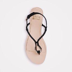 b723bc7b20cb4 Dolce Vita Shoes - Dolce Vita Kaya Thong Sandals (Size 6.5)