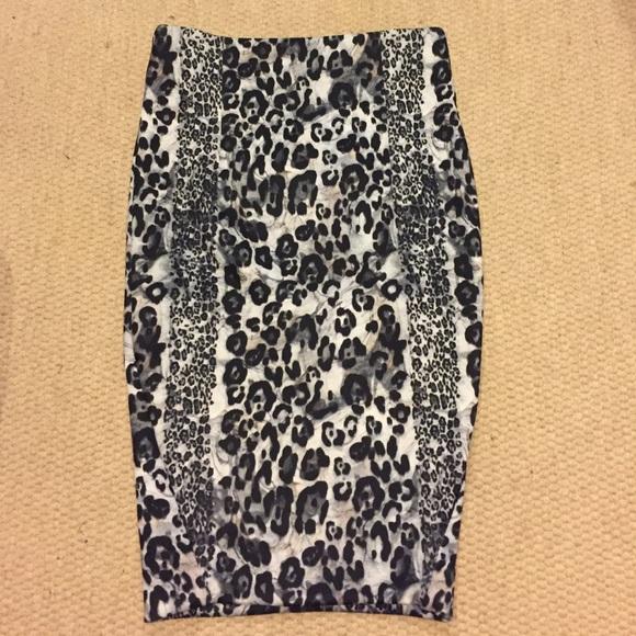 Zara Dresses & Skirts - Zara midi leopard print skirt