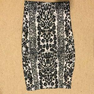 Zara Skirts - Zara midi leopard print skirt