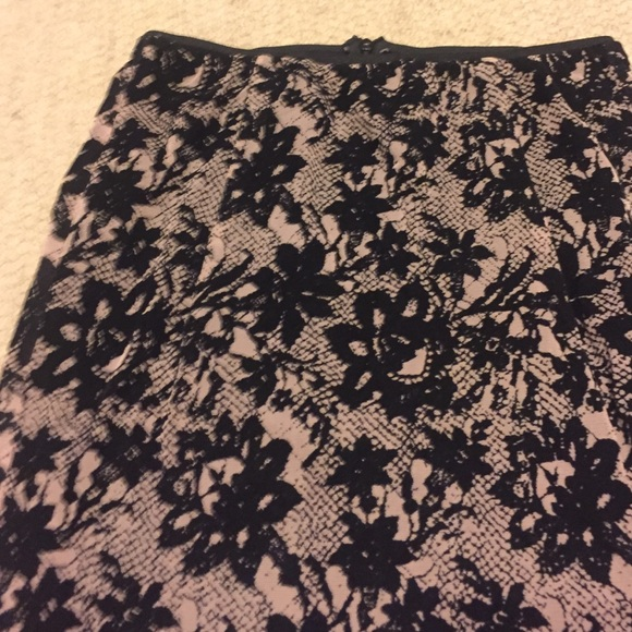 Zara Skirts - Zara flocked printed lace midi skirt