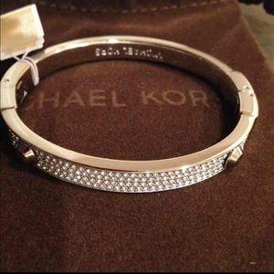 Sold✨✨Michael kors Silver pave Hinge bracelet