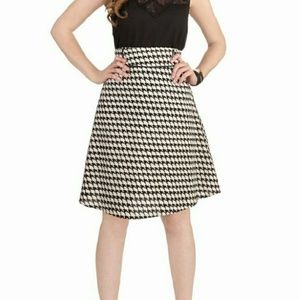 High Waist Houndstooth Skirt