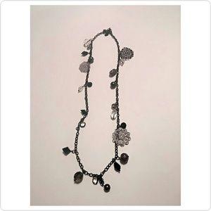Jewelry - Black & silver necklace
