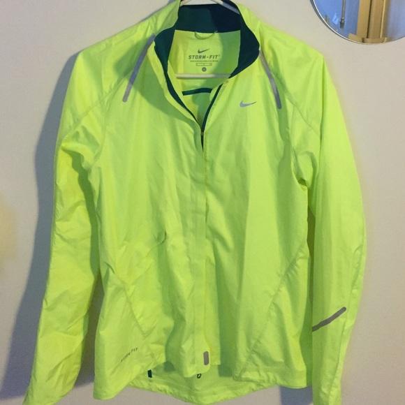 a7902ee040 FINAL Price Drop! Nike Storm Fit jacket. M 56eea0f5713fde34b2054115